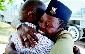 media-images-other-veteran-military-female-hugging_129871002914232460_300x190.jpg