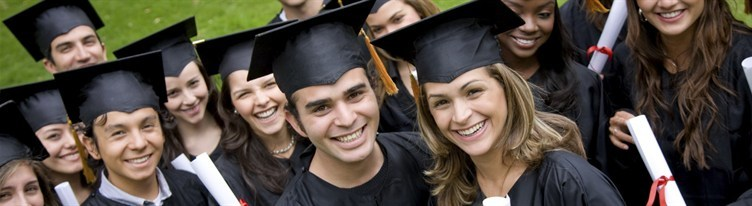media-images-other-students-graduating_130029149265301181_752x206.jpg