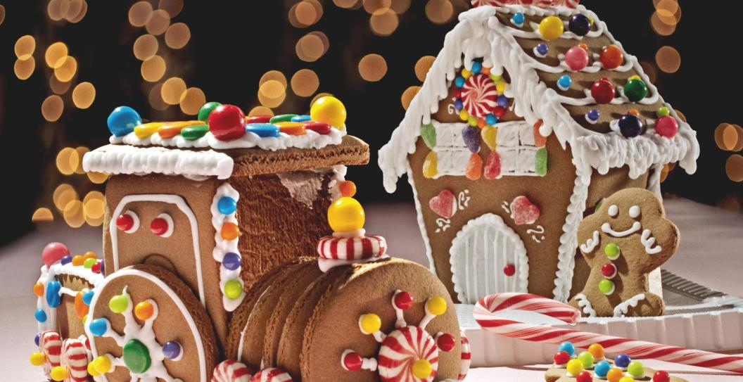 Gingerbread house with train