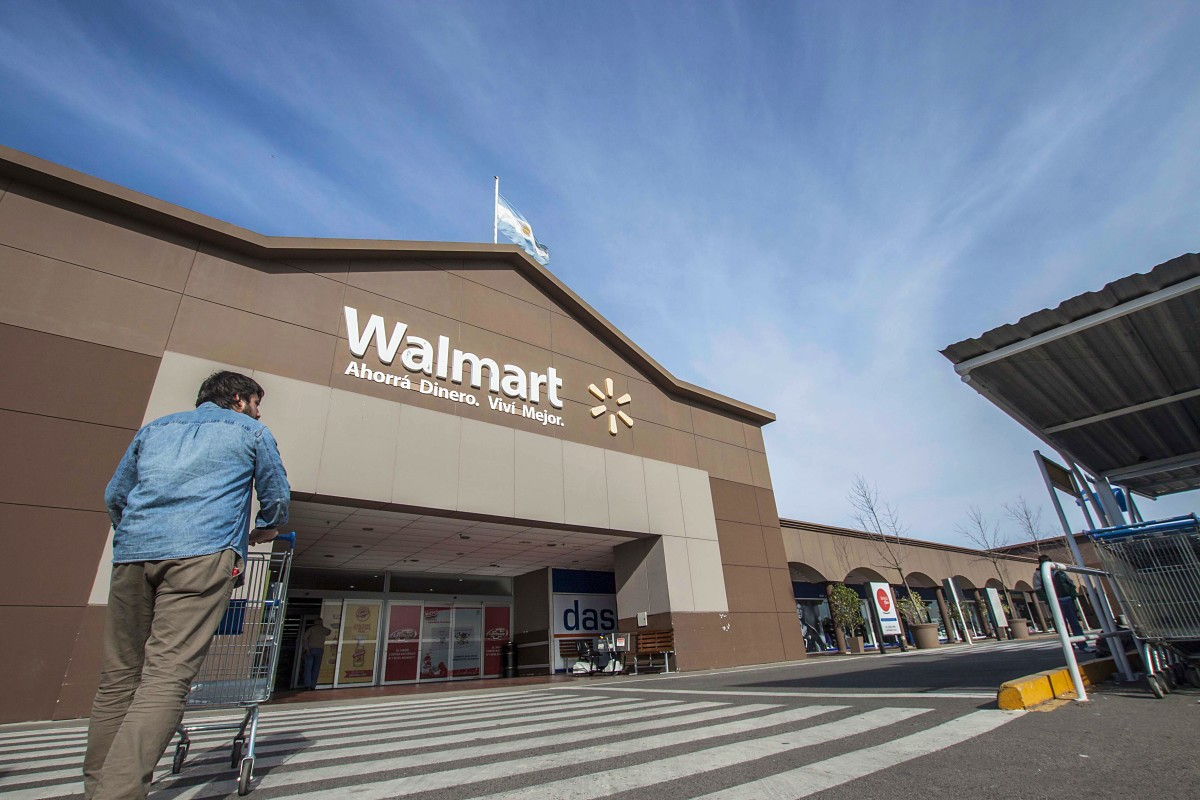 the history of walmart Sam walton envisioned a goal at wal-mart to saving people money so they can live better today, with thousands of stores in a number of formats around.