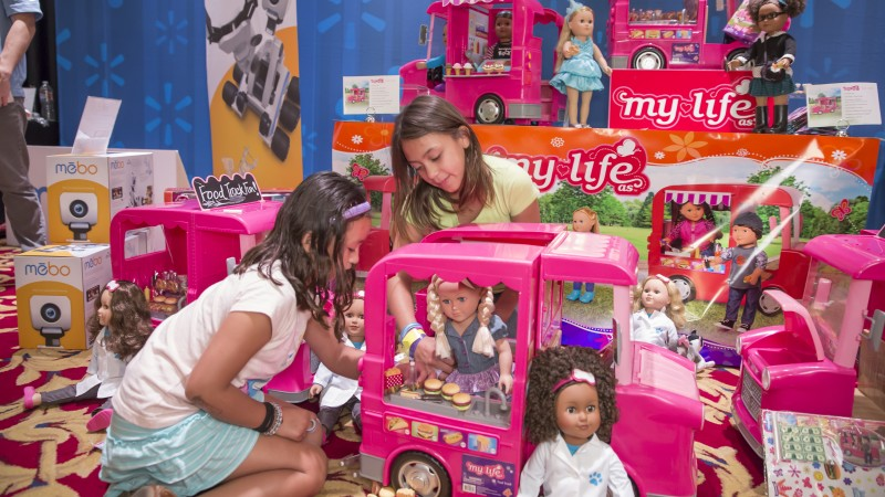 Walmart Boys Toys Age 6 : What s on kids holiday toy wish lists walmart unveils