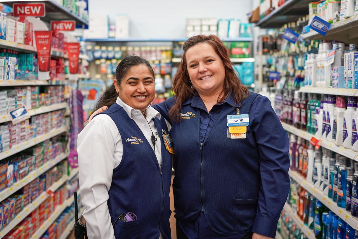A Walmart Department Manager Graduates to Her Next Step