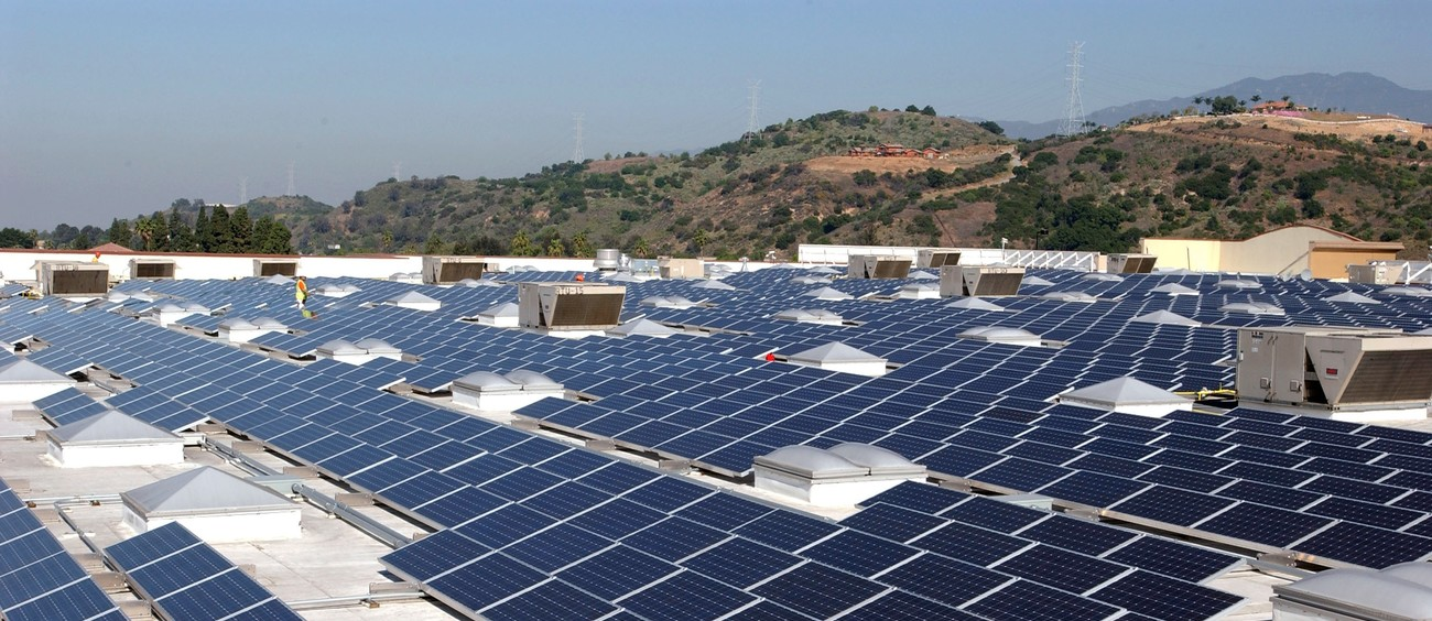 Walmart Agrees To Install Solar Panels On Its Facilities