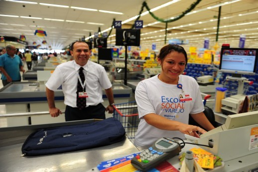 the retail king wal mart essay