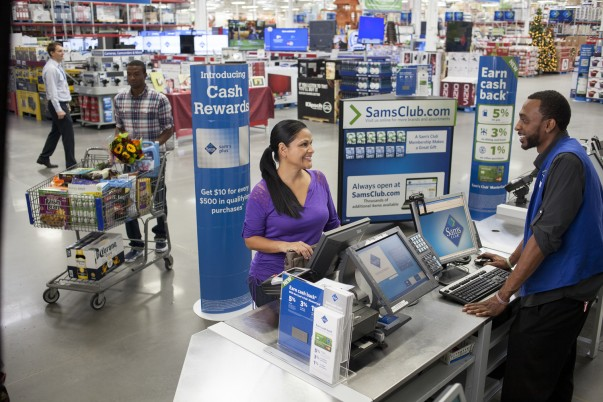 Sam's Club Associate interacting with a member