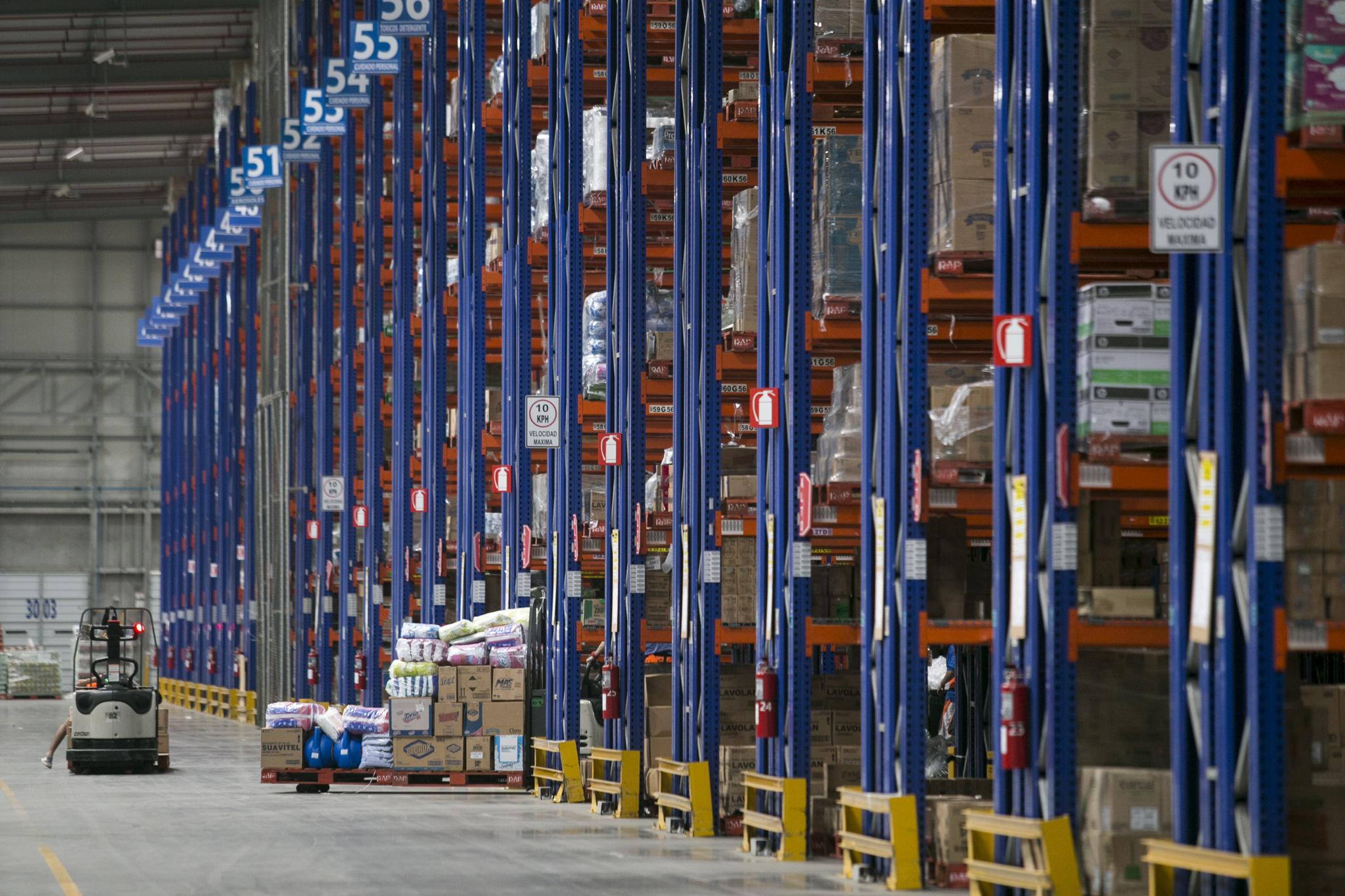 Walmart y CNE habilitan centro de acopio para atención de la emergencia por COVID-19