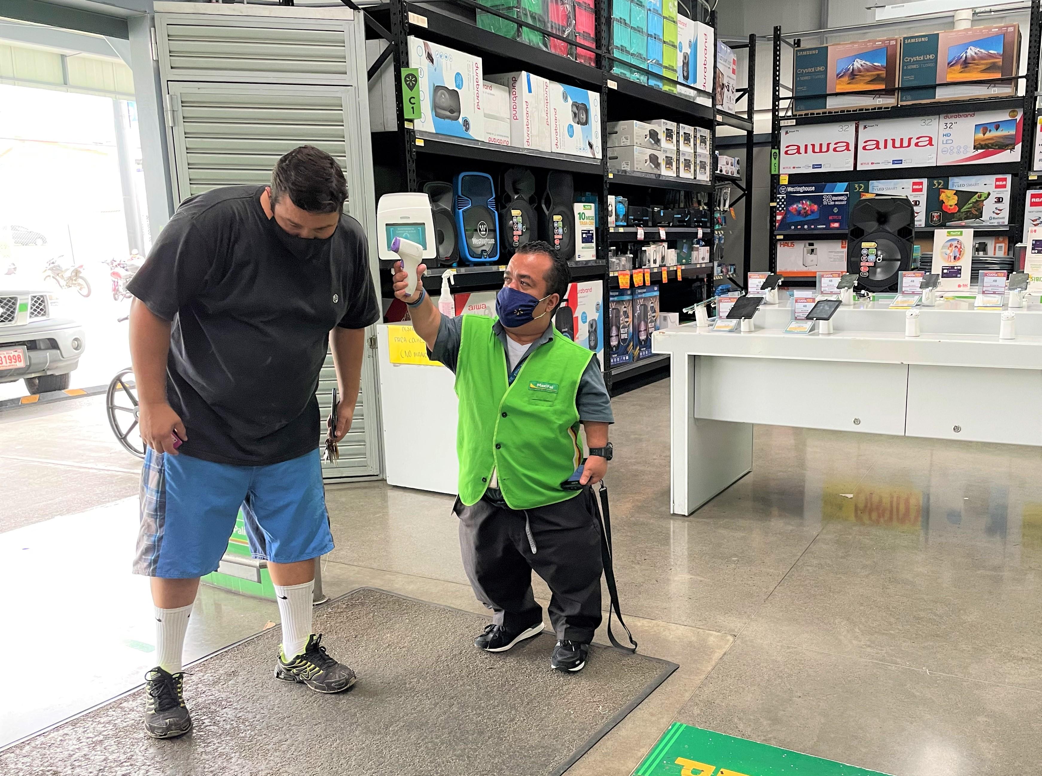 Walmart aumentó un 169% la cantidad de asociados con discapacidad en los últimos cuatro años