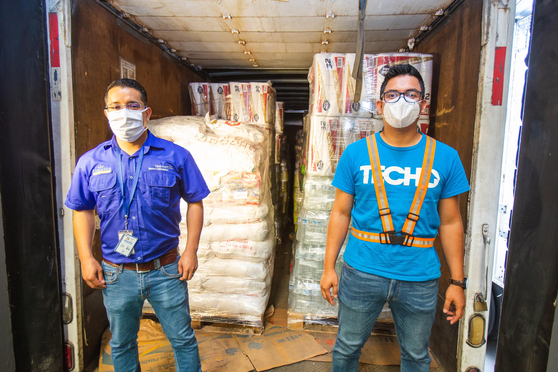 Walmart realiza donación de 9,965 kilos de productos a TECHO para comunidades afectadas por la depresión tropical ETA