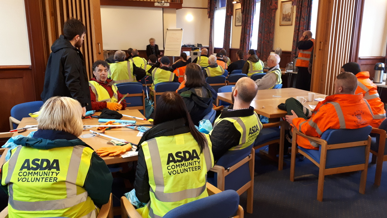 Asda Boston colleagues join clean up volunteers