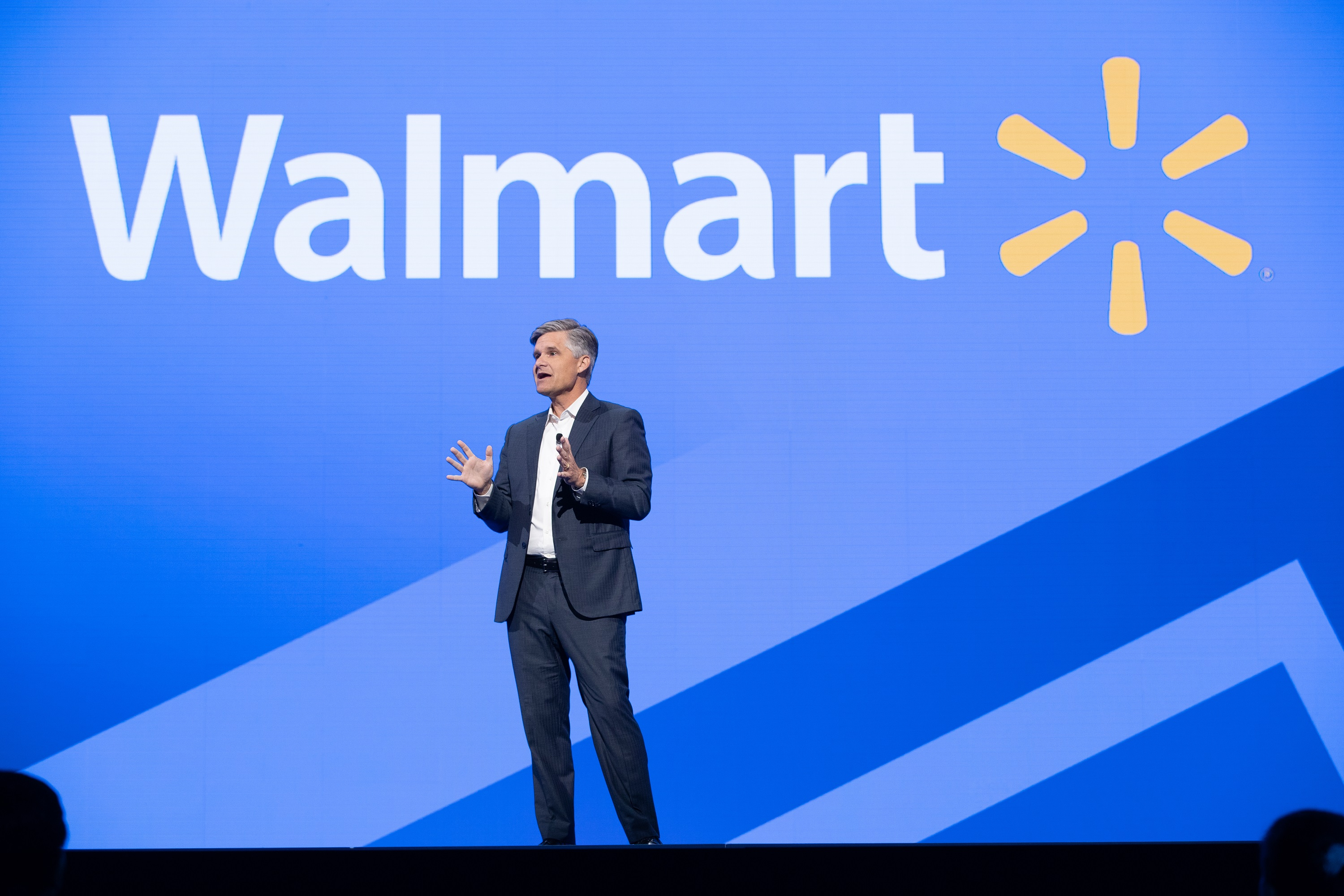 the marketing environment wal mart corporation Aggressive competition is a threat because other large retailers could use aggressive marketing and strategies to capture some of walmart's customers small-scale or individual online selling is a threat against the company's retail business.