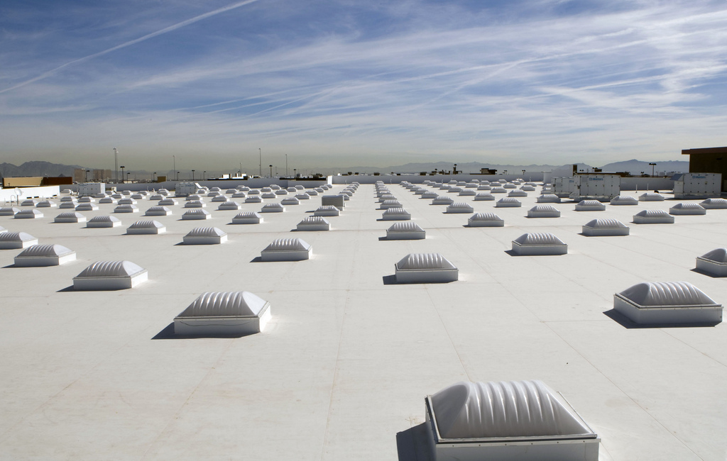 White Roof And Skylights On Las Vegas Nev Walmart