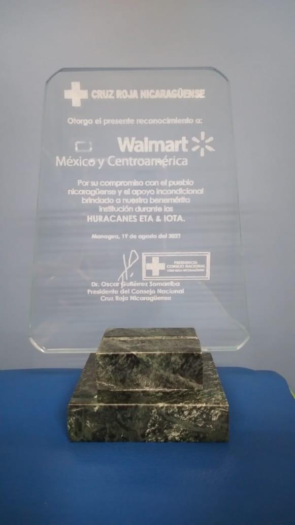 Walmart recibe reconocimiento de la Cruz Roja Nicaragüense 2