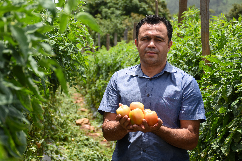 Oscar Roberto, de soñador a gran productor con el apoyo del programa Tierra Fértil de Walmart