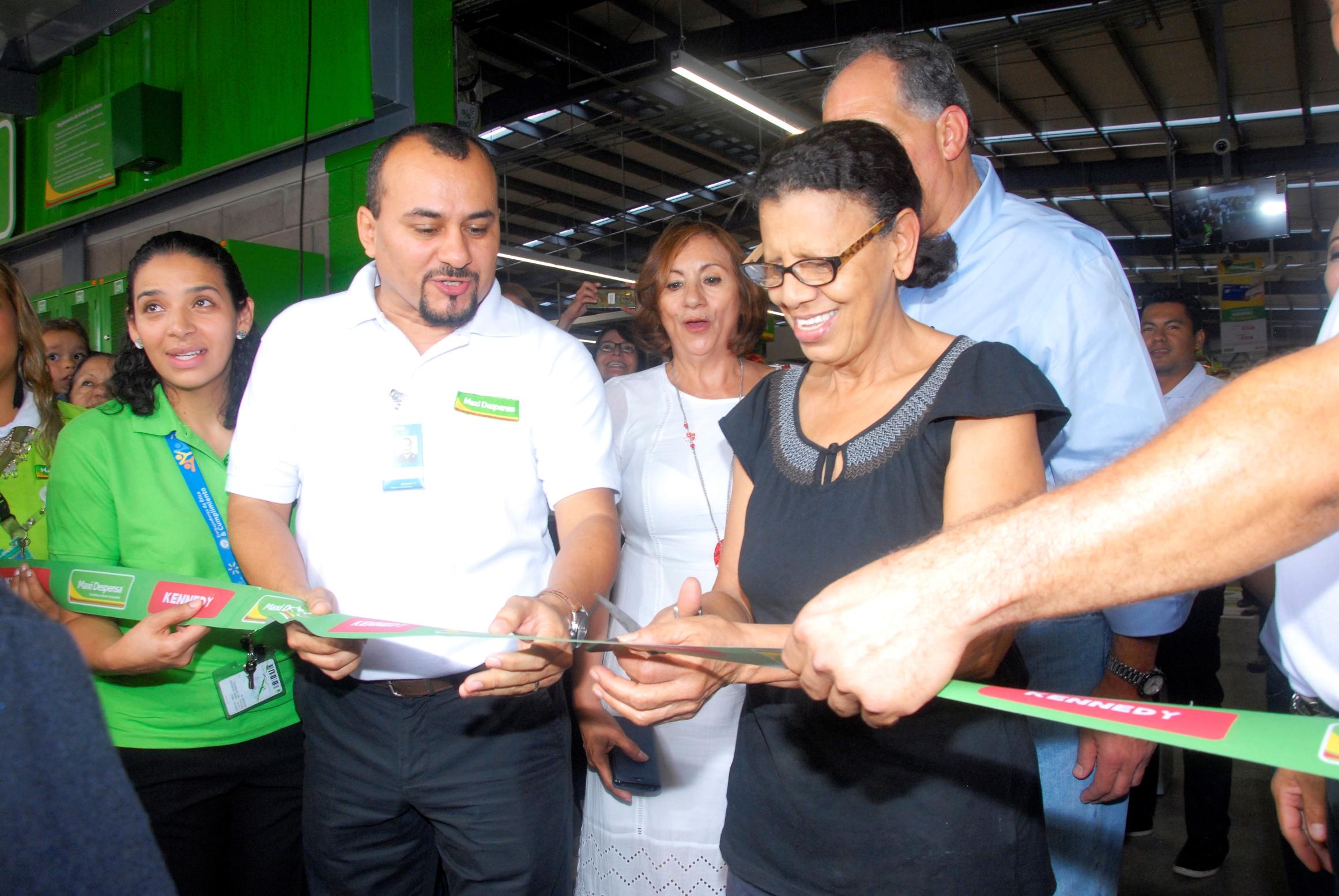 Walmart de México y Centroamérica inaugura su quinta Maxi Despensa en Tegucigalpa Honduras