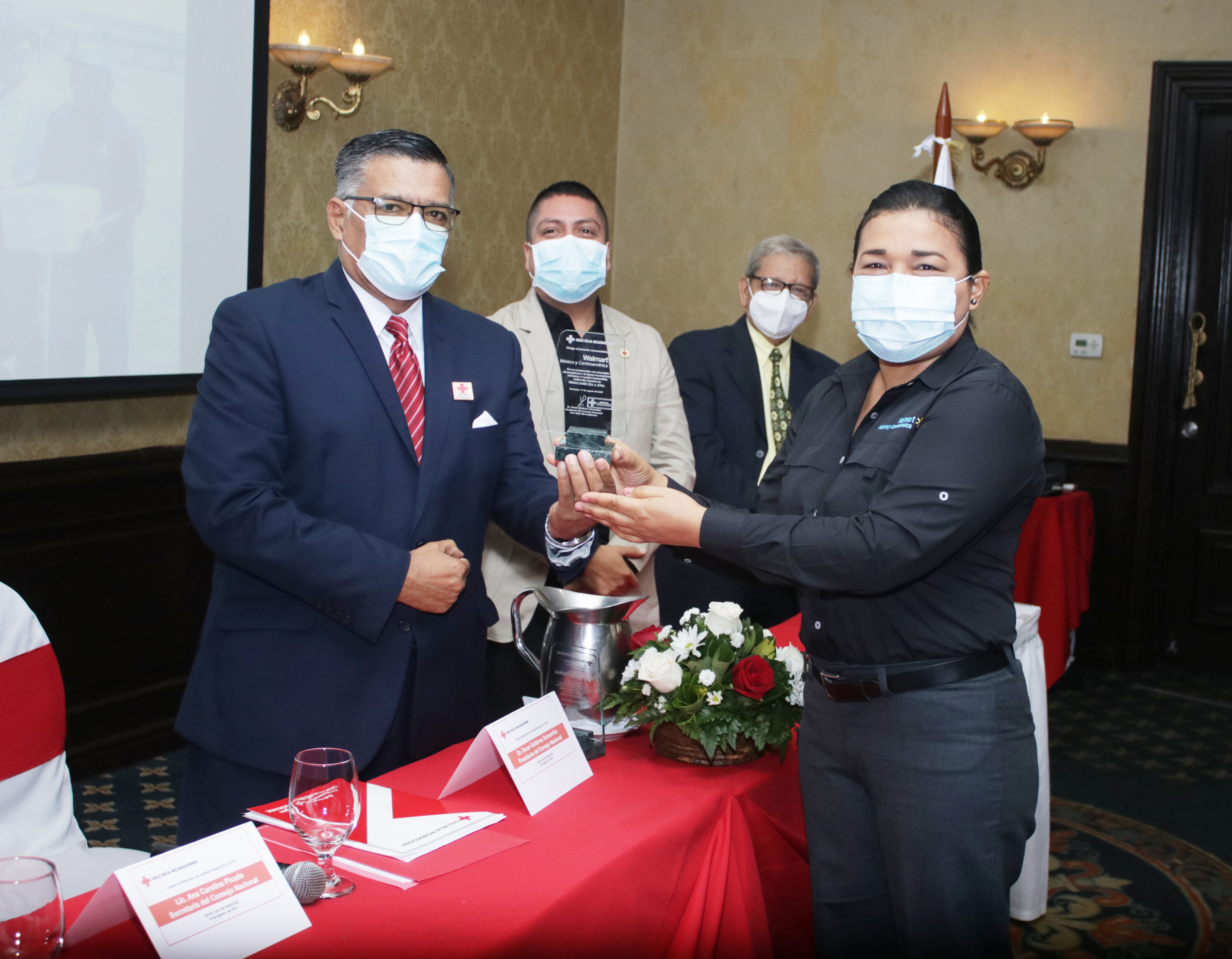Walmart recibe reconocimiento de la Cruz Roja Nicaragüense