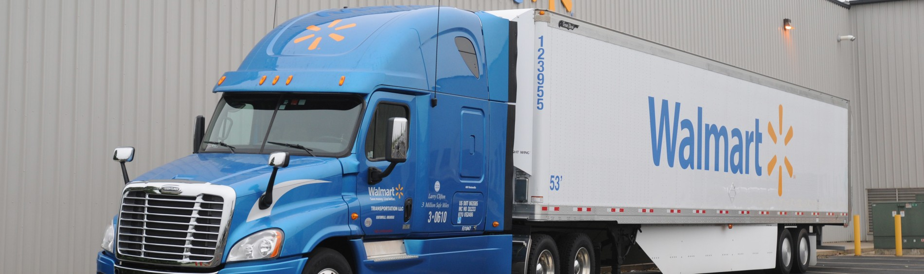 Picture of Walmart Logistics Truck - Side Angle