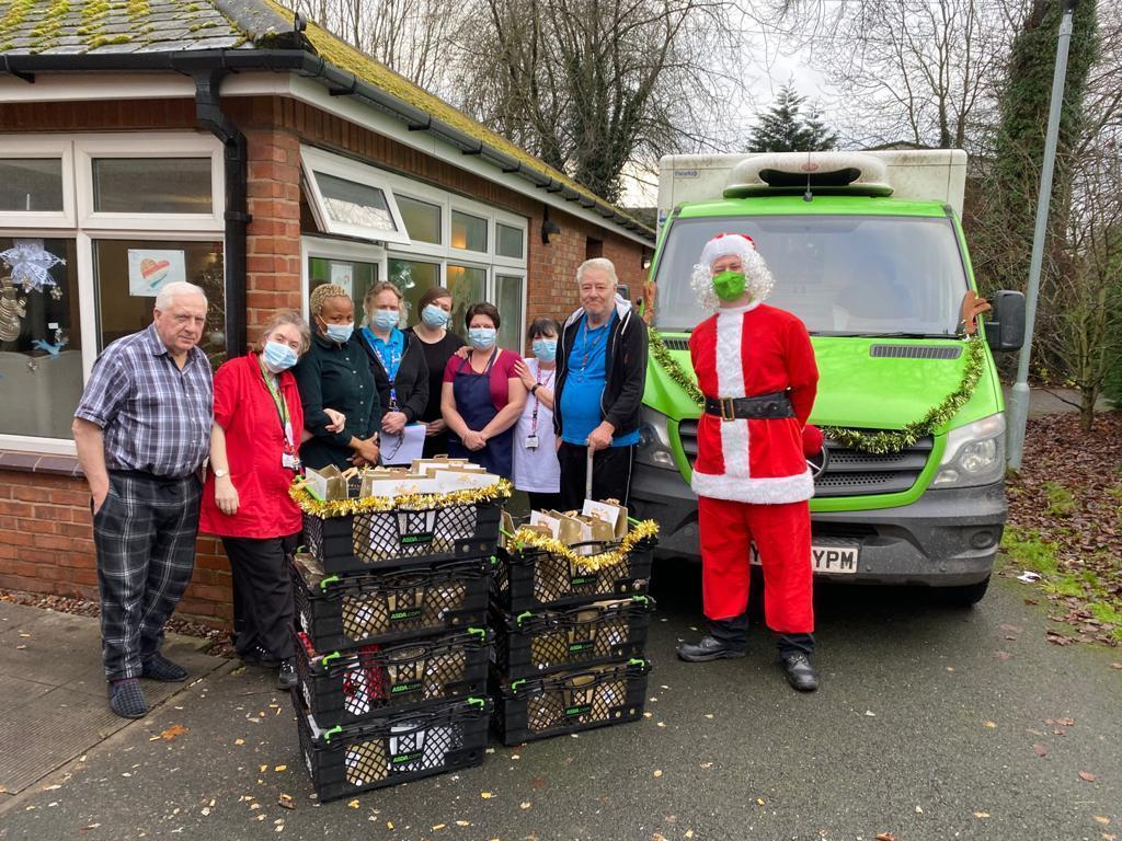 Matt delivers Christmas cheer | Asda Telford