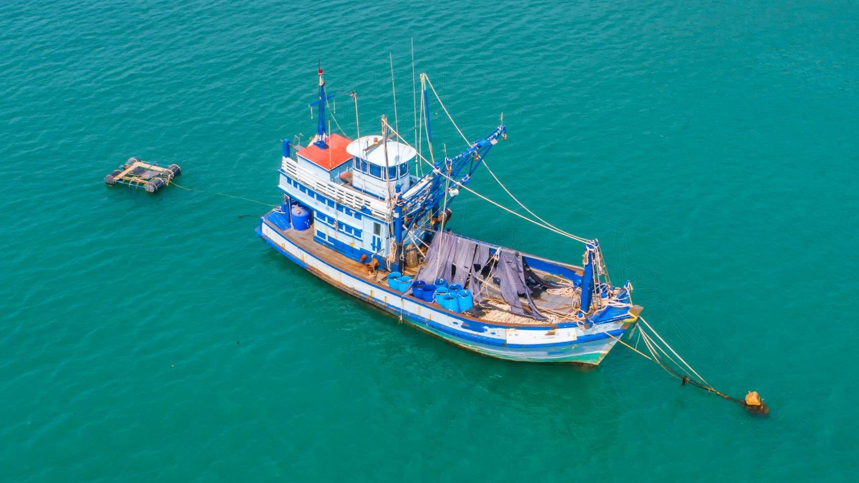 Human Rights/thai-shrimp-boat.jpg