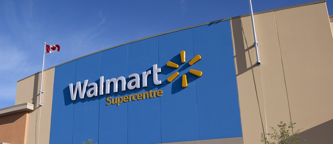 wall mart scm Walmart shares fell more than 10% tuesday, with the downdraft pulling many retail stocks along it was the biggest one-day drop in stock price since 1988 for the world's largest retailer .
