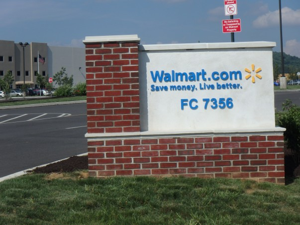 Walmart e-commerce fulfillment center in Bethlehem, PA