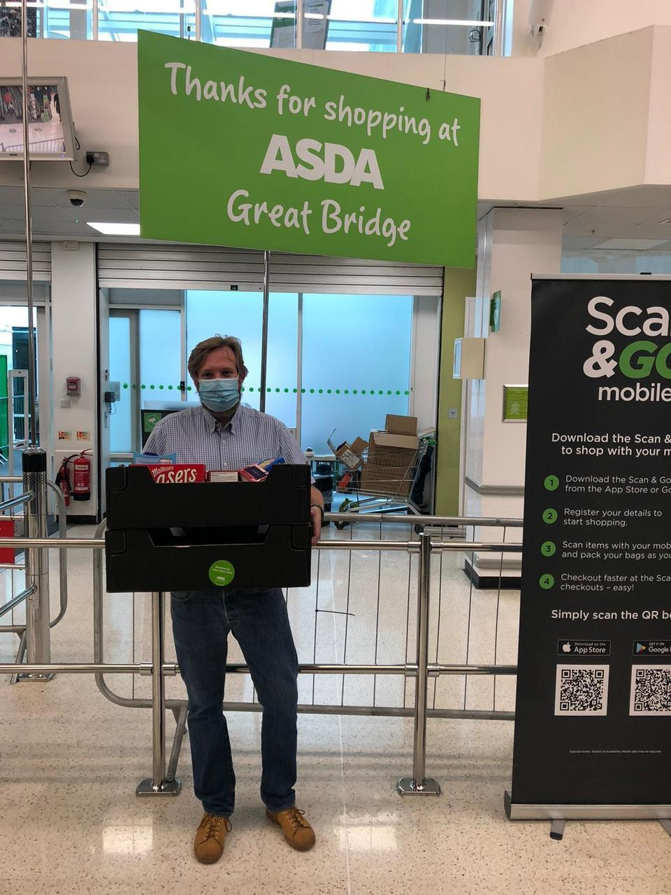 Rafffle prize donation for Ryders Green Day Centre | Asda Great Bridge