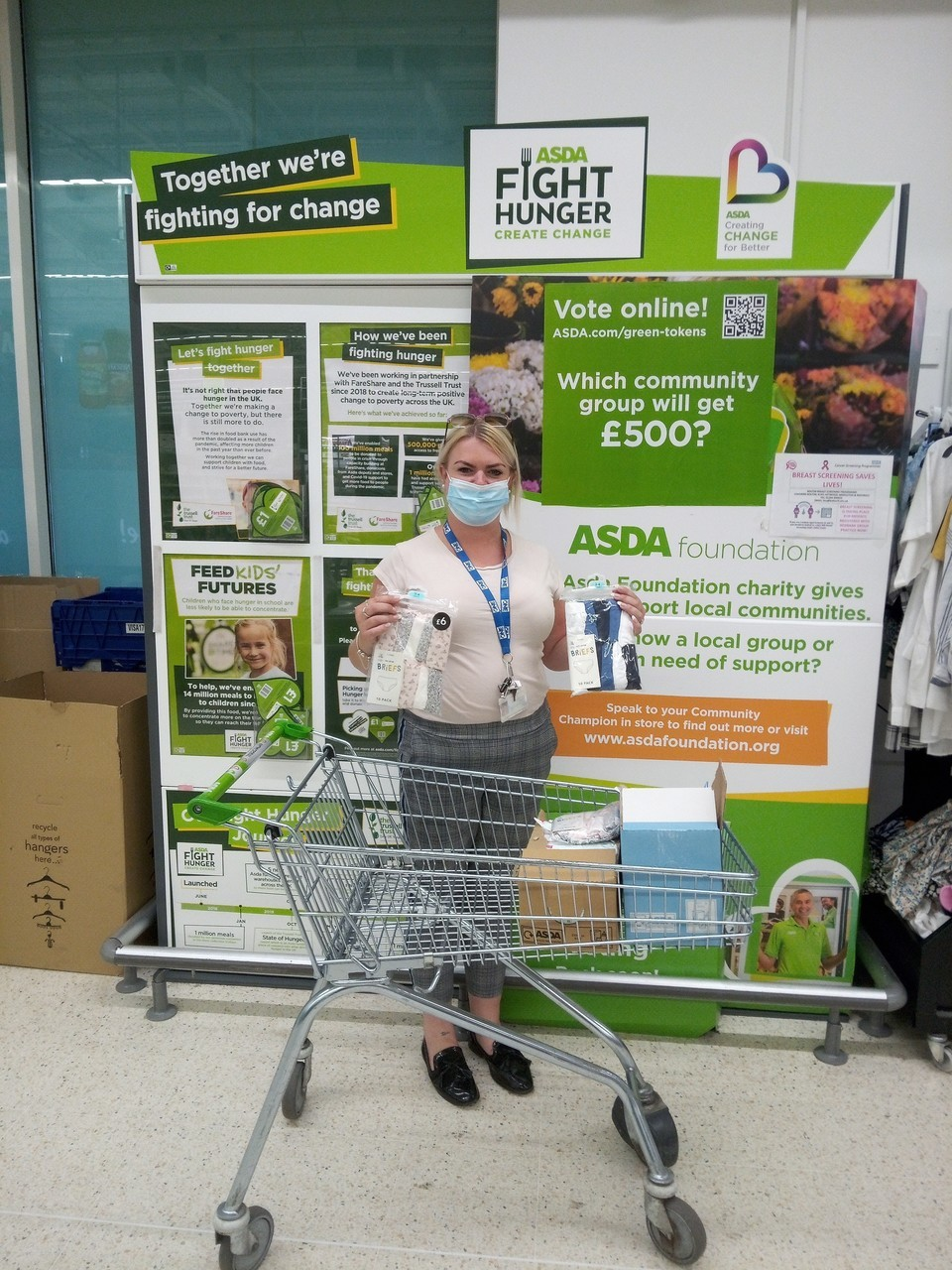 Gorsefield Primary School donation | Asda Radcliffe