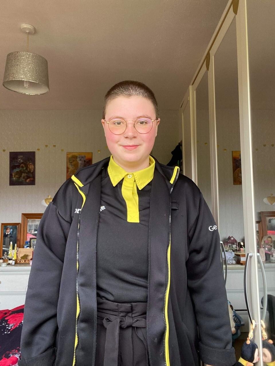 Chloe shaves her head | Asda Rugby