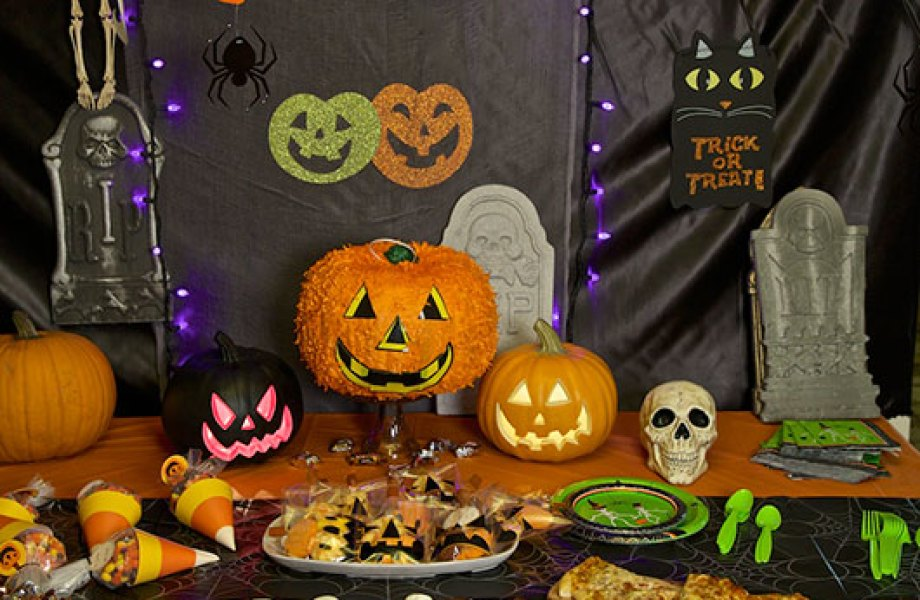 Halloween party tabletop decorations
