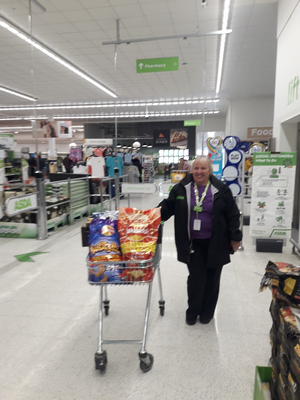 Donation of snacks to therapeutic ward   Asda Thornaby