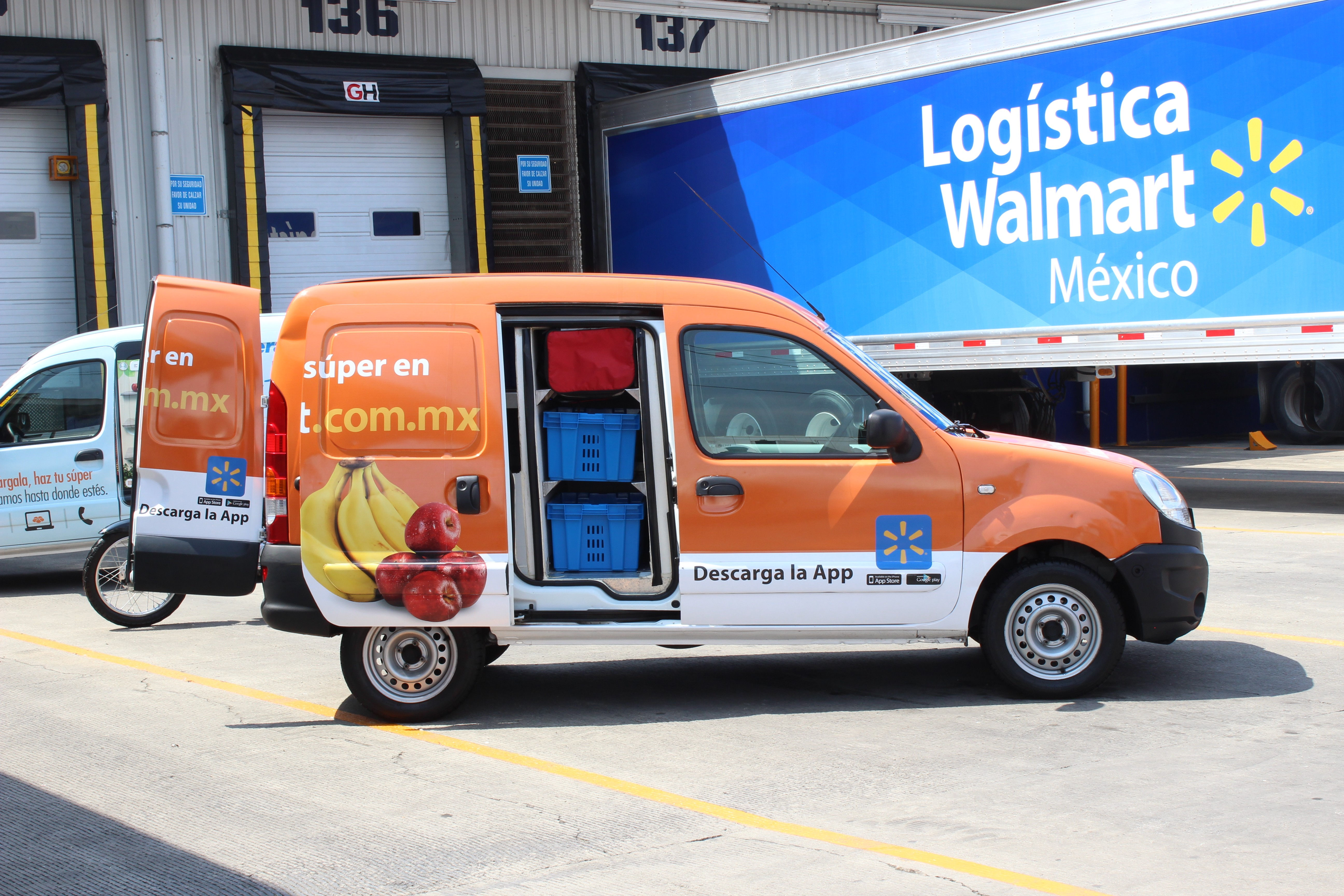 Grocery Delivery Van in Mexico
