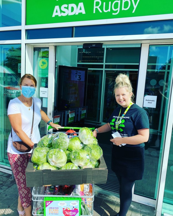 Asda Rugby Healthy Holidays donation to Make Lunch