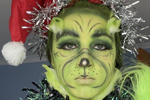 Isla Fairfield as the Grinch