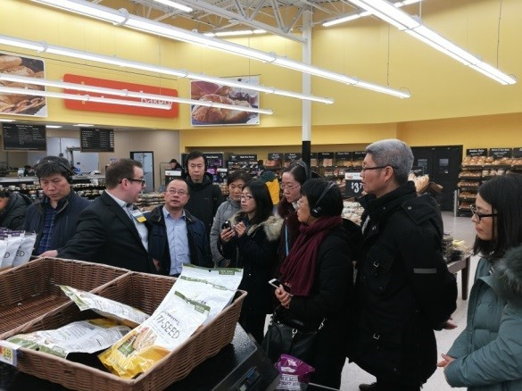 China Food and Drug Administration visits Walmart in the US-2