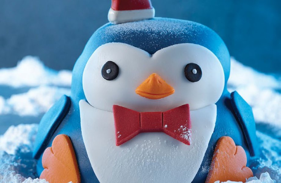 Pip the Penguin Cake