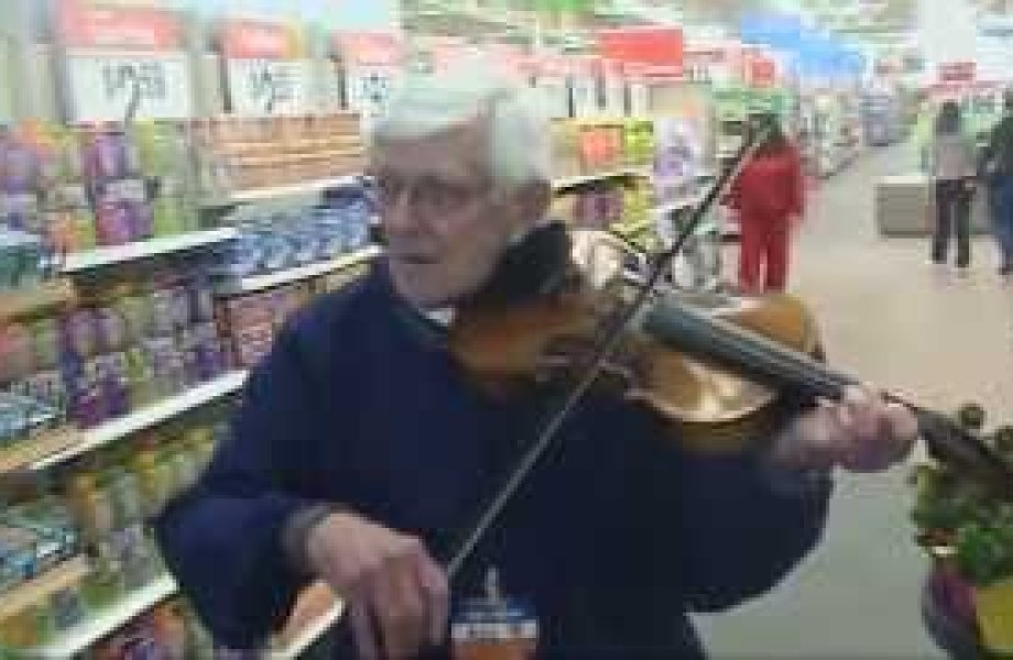 Bill, a Walmart Greeter, Offers Customers a Song Thumbnail