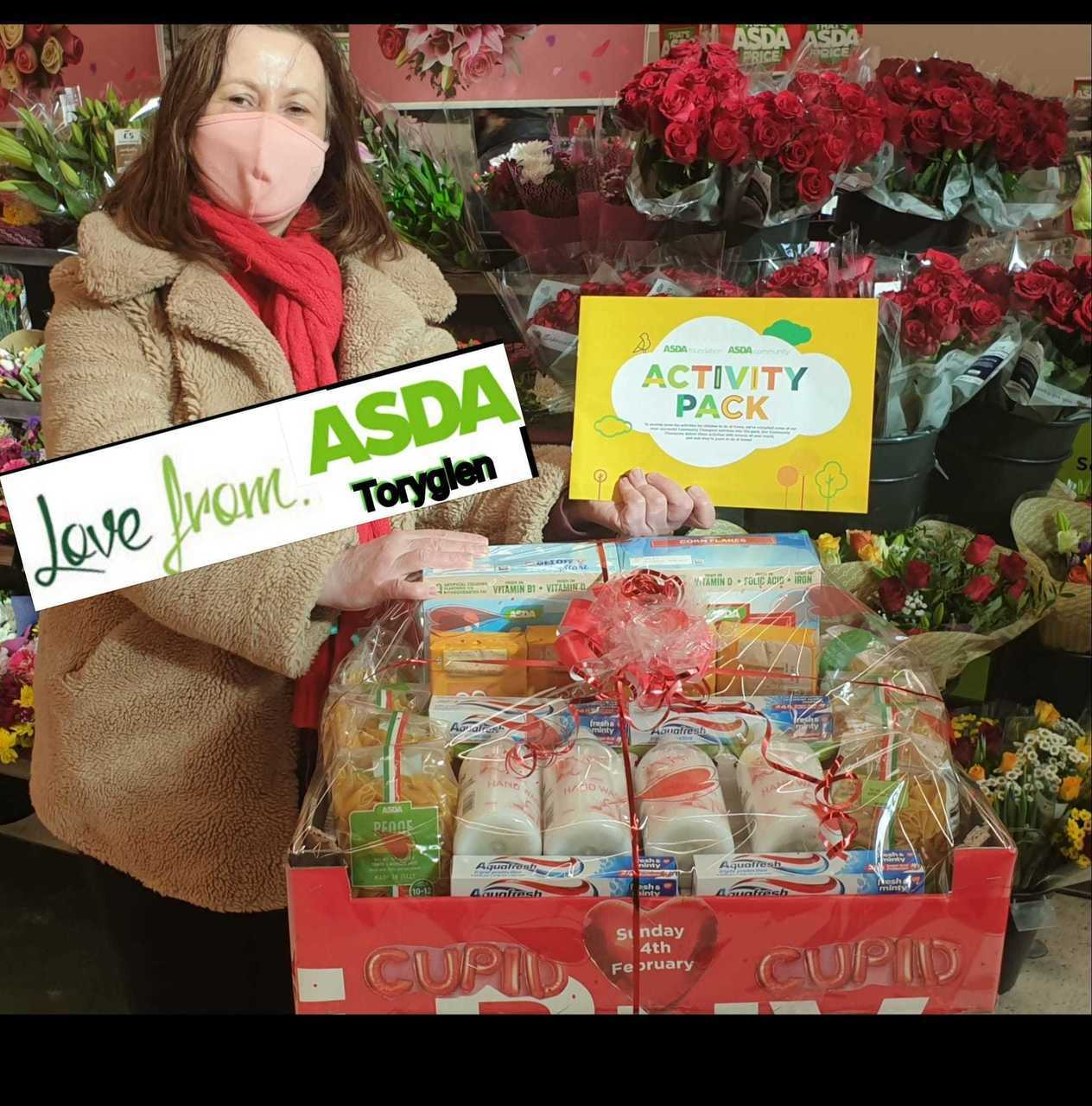 Helping hand to Holycross Primary School | Asda Toryglen