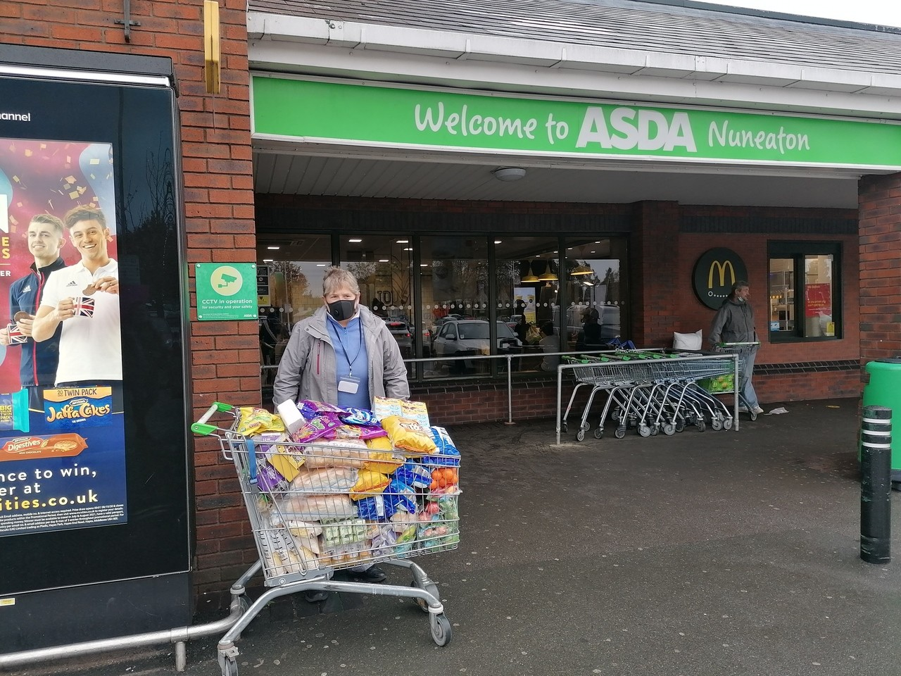 Helping fight holiday hunger | Asda Nuneaton
