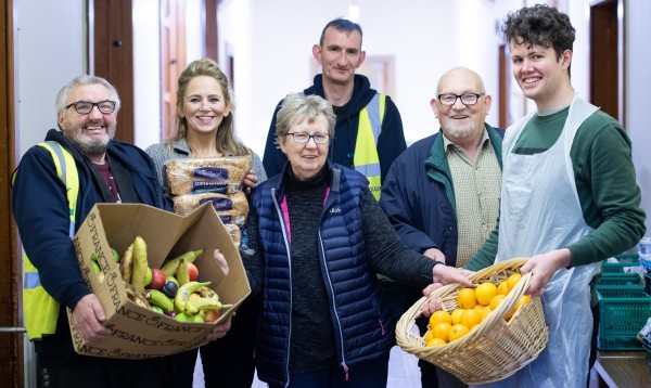 FareShare volunteers with convent volunteers