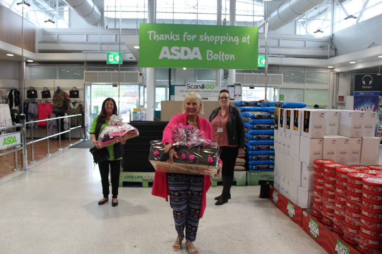 Asda Bolton and Burnden Park donate clothing to the Endeavour charity | Asda Bolton