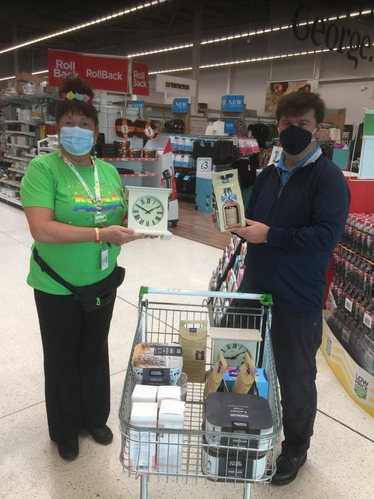 Bingo prize donations from Asda Dundee West for local community group | Asda Dundee West