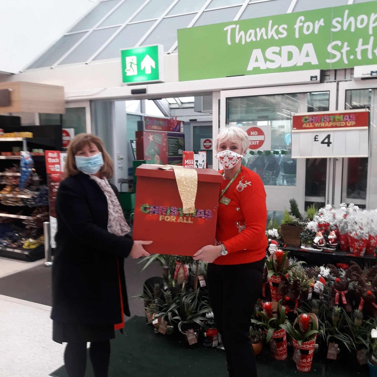 Asda St Helen's brings smiles to children's faces this Christmas | Asda St Helens