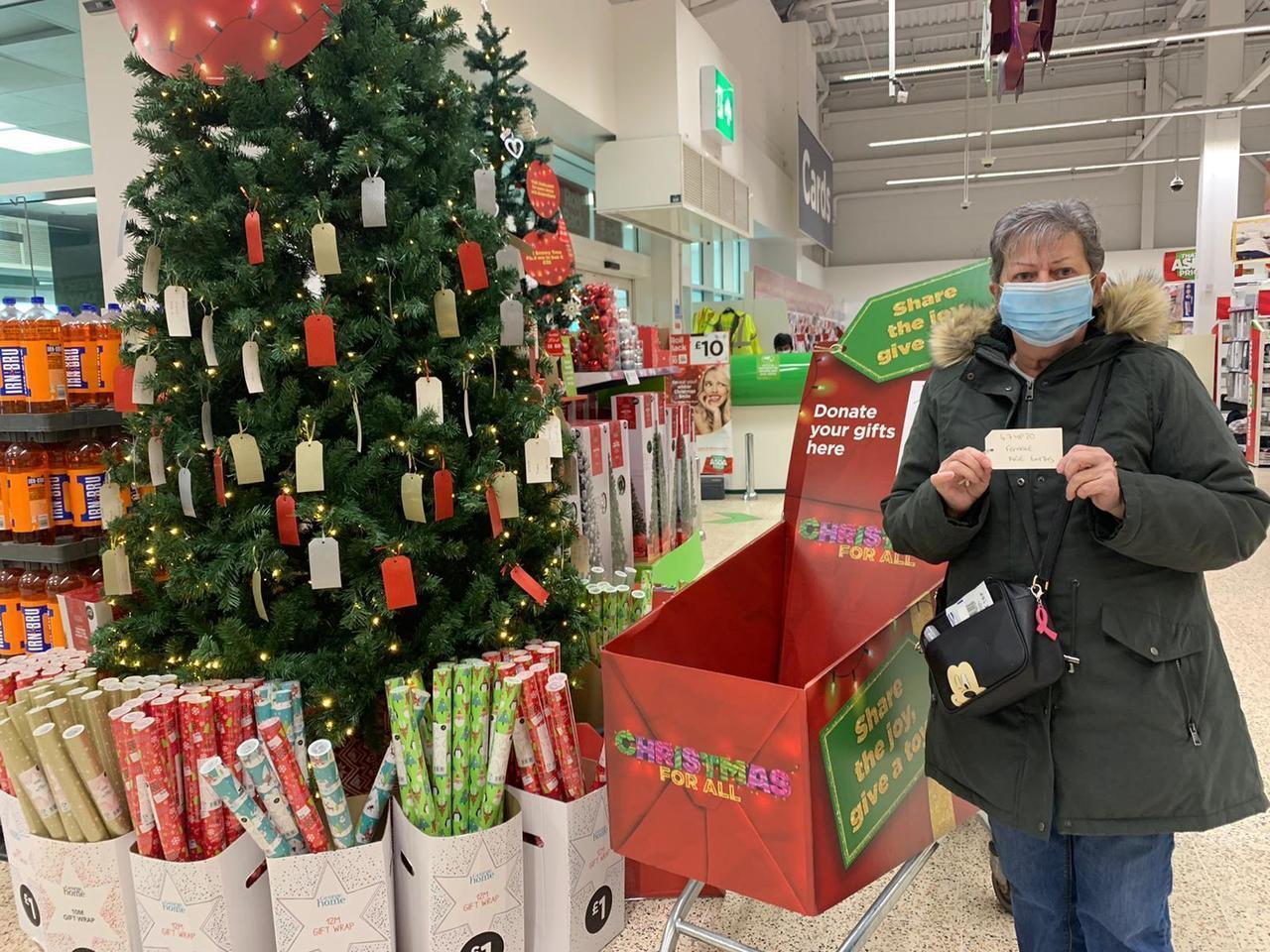 Colleagues and customers at Asda Dundee Kirkton love the Christmas Giving Tree | Asda Dundee Kirkton