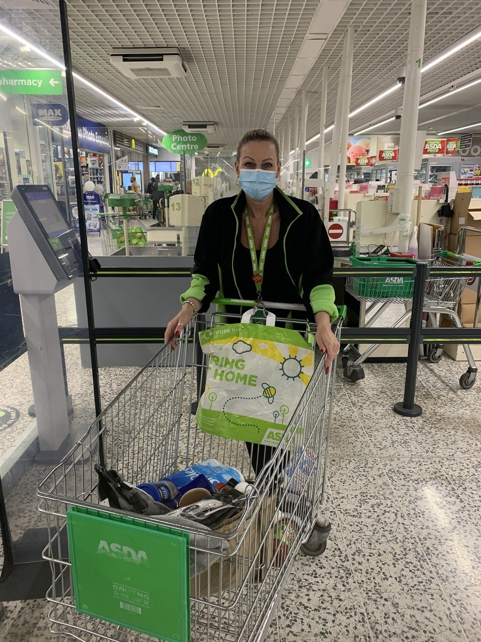 Pulling together to help fire family | Asda Wallington