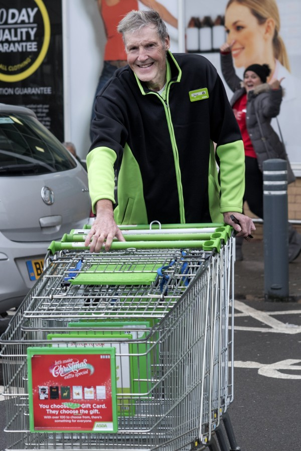 Praise for popular porter Dave Jones at Asda Great Bridge