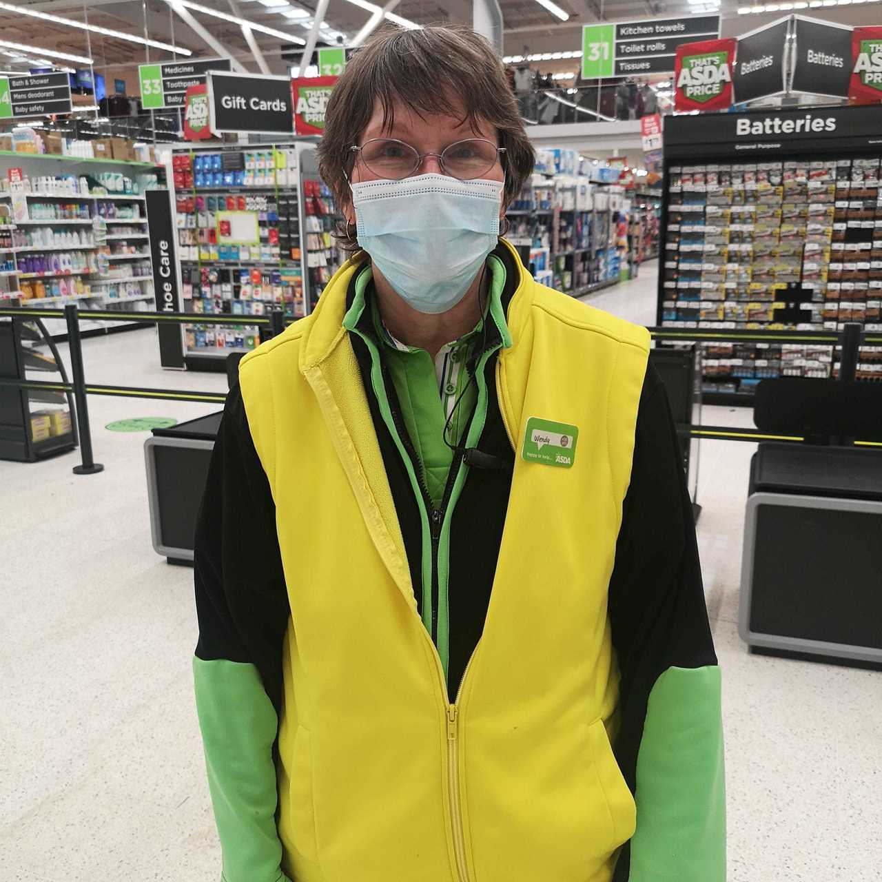 15 years' service for Wendy | Asda Elgin