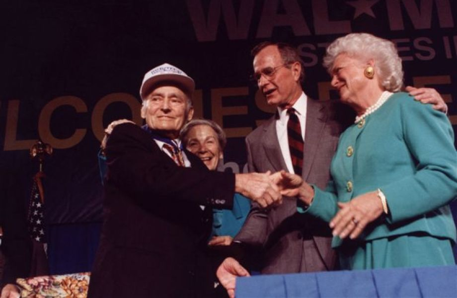 Sam Walton receiving Medal of Freedom; pictured with Helen Walton, President George H. W. Bush, and First Lady Barbara Bush