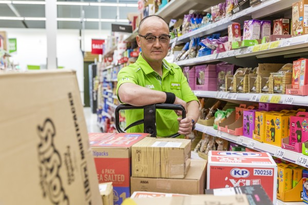 Nightshift team at Asda Chesser learn sign language to communicate with deaf colleague Billy