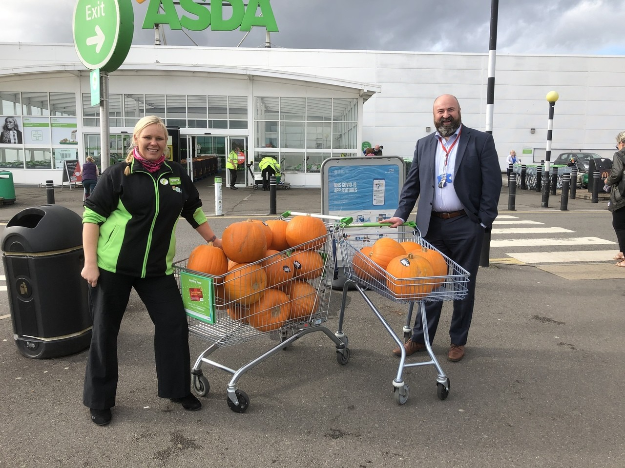 Donation of pumpkins 🎃 for local school | Asda Derby
