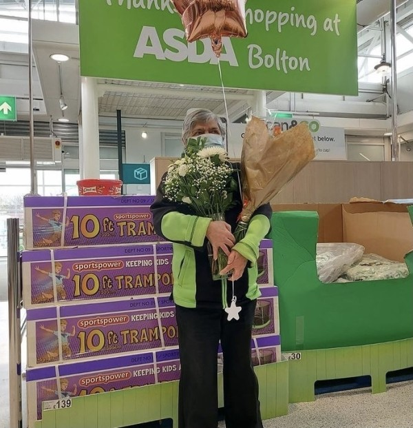 Lisa Bezkorowajznyj has worked at Asda Bolton since 1971