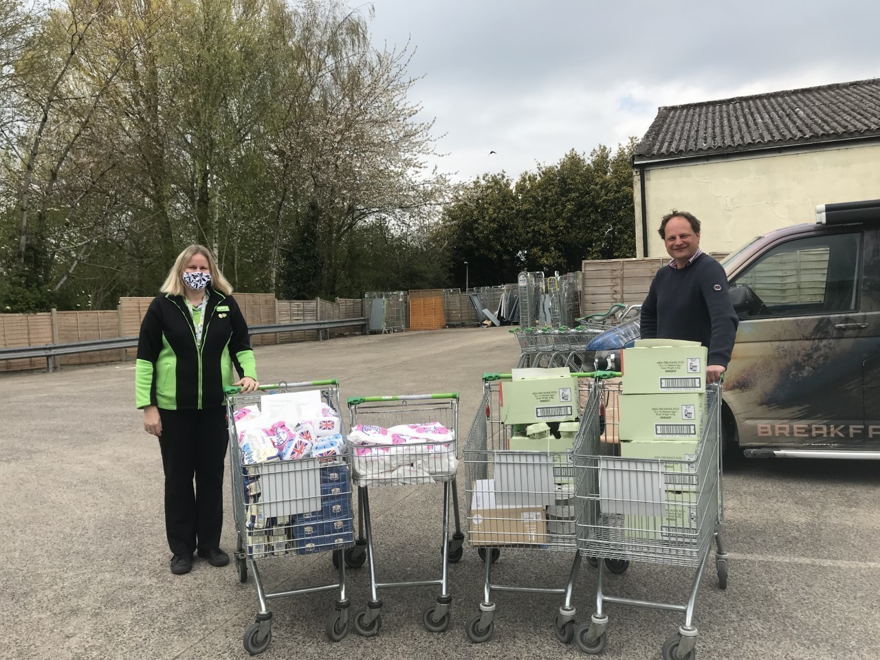 Cupcake boost for Motcombe Is United | Asda Gillingham